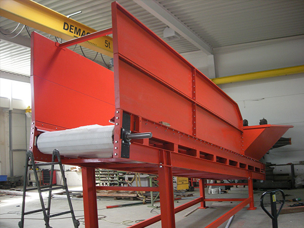 link chain conveyor (use: supply, dispense, buffer)
