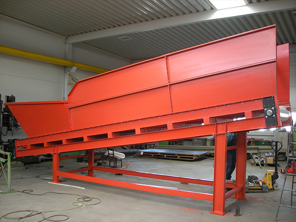 link chain conveyor as supply- and dispense unit